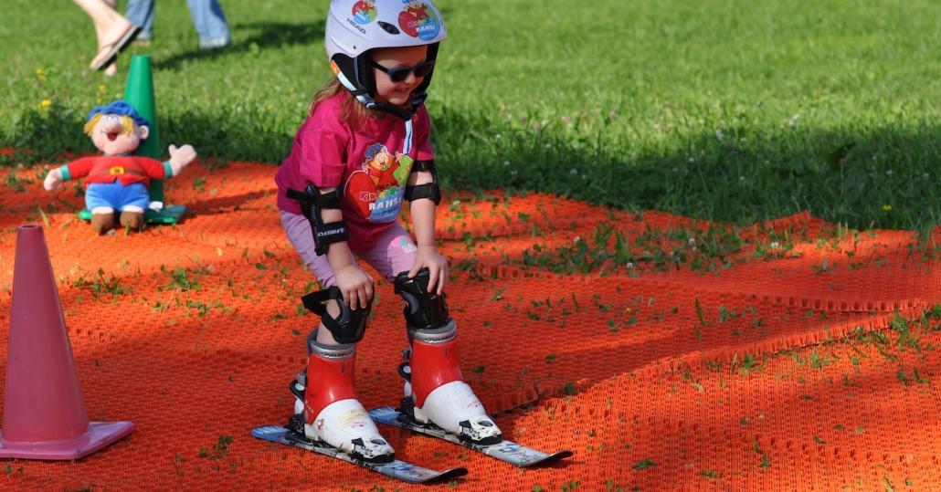 Kinderhotel Ramsi - Lernt bei uns Skifahren! Unsere Kinder-Spätsommer-Skischule ist der Hit