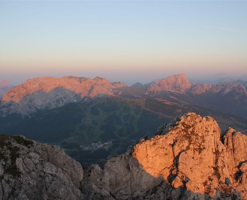 Einfach unbeschreiblich: Eine Sonnenaufgangs-Wanderung in den Bergen!