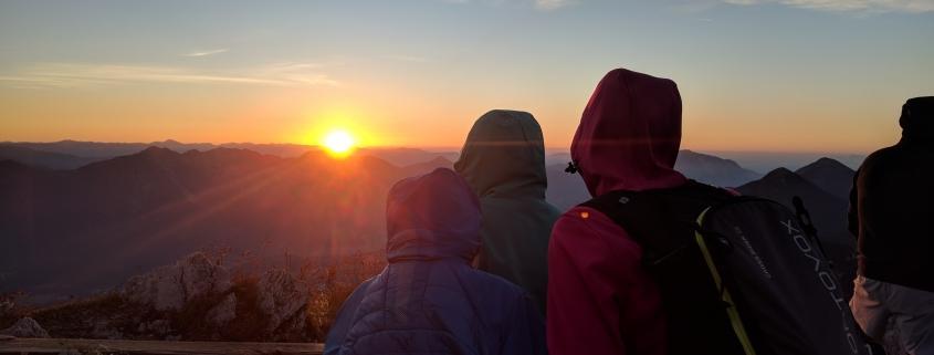 Einfach unbeschreiblich: Eine Sonnenaufgangswanderung in den Bergen!