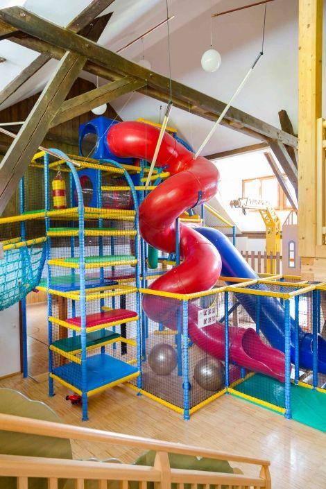 Nichts wie rein ins Indoorspieleparadies mit 800 m²