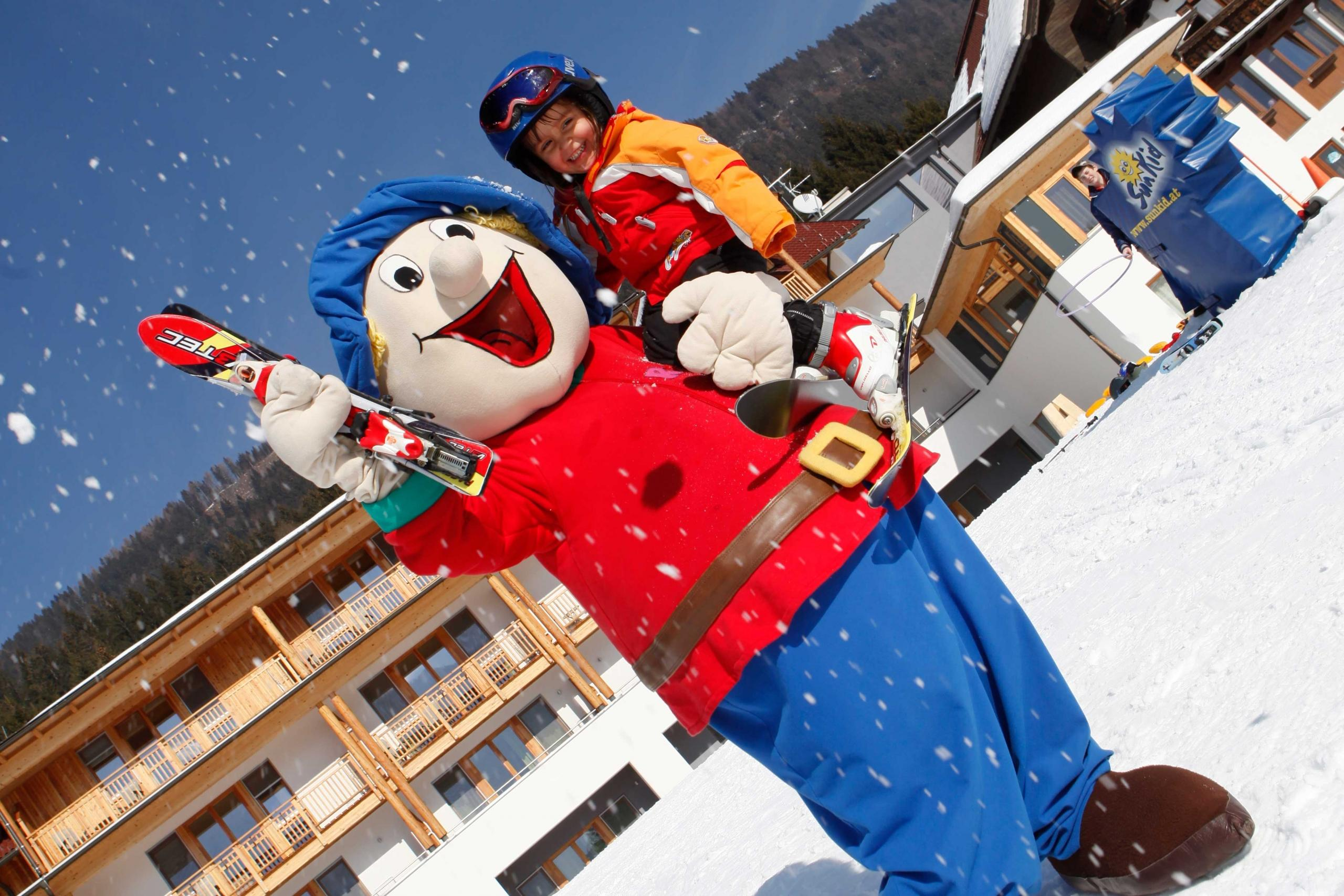 Winter Outdoorspaß Kinderhotel Ramsi
