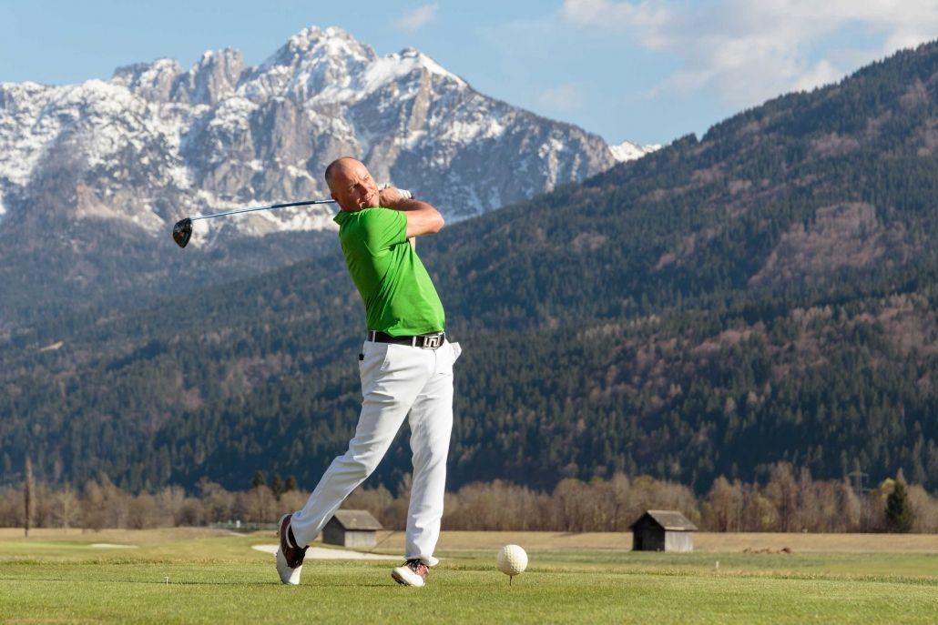 Golfvergnügen auf der Golfanlage Nassfeld Golf