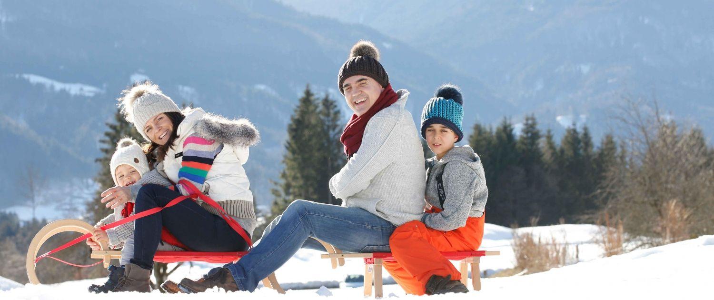 Familienurlaub im Winter am Nassfeld - Rodeln
