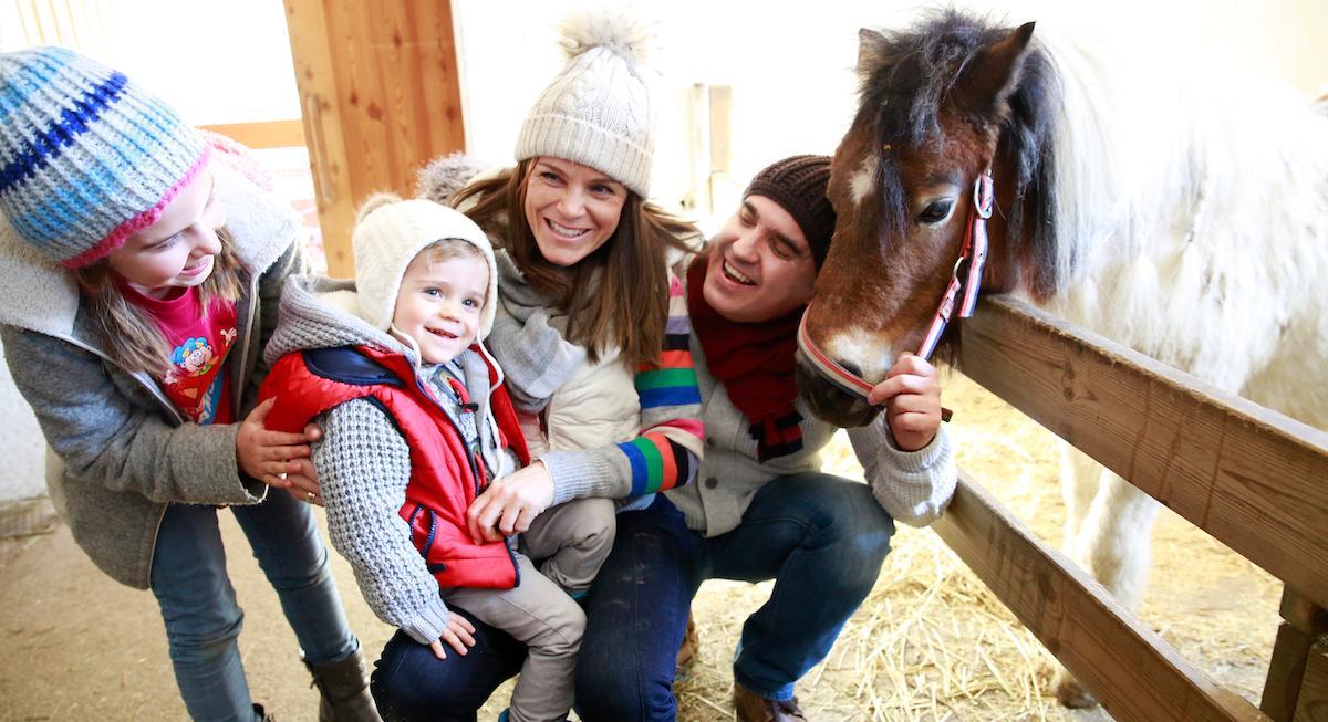 Familienurlaub Kinderhotel Ramsi Bauernhoftiere
