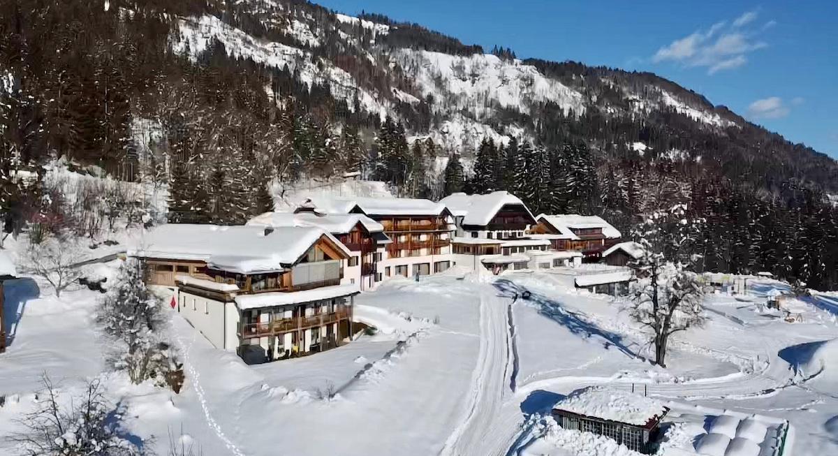 Familienurlaub Kinderhotel Ramsi Hotelansicht Winter